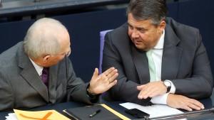 Schäubles Plan spaltet die SPD