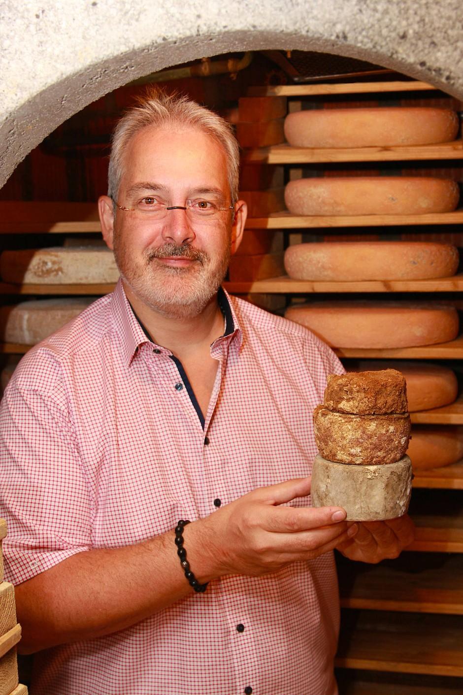 Schafft besonderes aus jedem Käse: Affineur Volker Waltmann