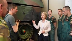 Wehrbeauftragter fordert konkreten Kostenplan für Bundeswehr