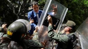 Venezuelas gespaltenes Parlament wählt zwei Vorsitzende