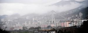 Genua: Blick auf die eingestürzte Autobahnbrücke Ponte Morandi