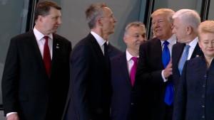 Trumps Rempler sorgt für Spott auf Twitter