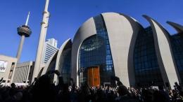 Mehr als 570 Angriffe auf Muslime und Moscheen