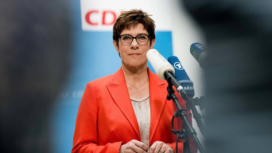 Die CDU-Bundesvorsitzende Annegret Kramp-Karrenbauer stellte am Sonntag im Konrad-Adenauer-Haus ihre Pläne zum Thema Klimaschutz vor.