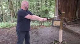 Deutscher Youtuber ist mit selbstgebauten Waffen extrem erfolgreich