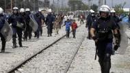 Dutzende Flüchtlinge aus Idomeni gelangen nach Mazedonien