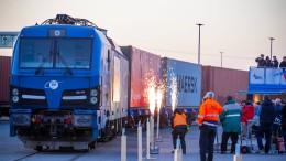 Erste Container aus China erreichen Rügen