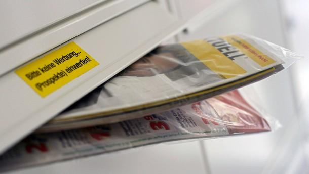 Initiative will Post wegen Werbesendung verklagen