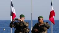 Nach dem Anschlag patrouillieren Soldaten in Nizza.