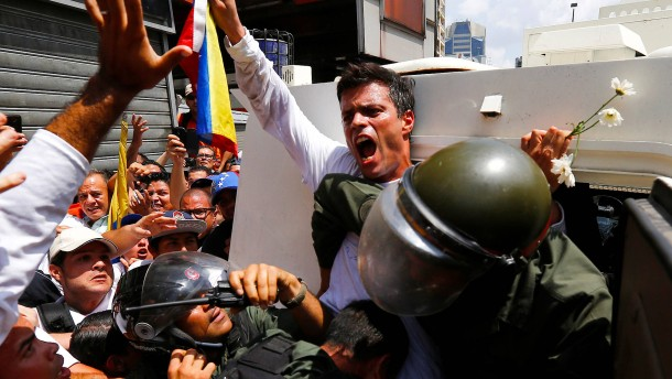 Maduros Fängen entflohen