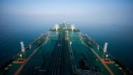 Der Weg über das Meer spielt eine wichtige Rolle bei der Öl-Lieferung.
