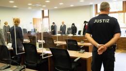Angeklagte im Prozess um Tötung von Heimbewohnern schildert Details zur Tat
