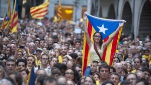 Separatisten rufen Katalanen zu zivilem Ungehorsam auf