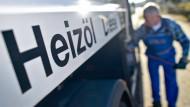Dank niedriger Preise für Gas und Heizöl sinken auch die Nebenkosten in diesem Jahr.