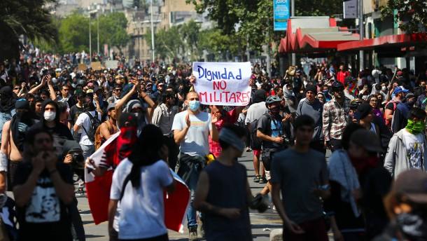 Zehn Tote bei Protesten in Chile