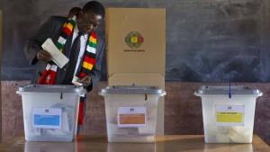 Historische Abstimmung in Zimbabwe