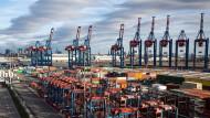 Dank der starken Nachfrage aus China erholt sich der deutsche Export zunehmend.