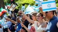 Wer ist hier für Israel? Protest am vergangenen Samstag in Berlin gegen den Al-Quds-Marsch, eine gegen Israel gerichtete Propagandaveranstaltung