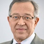 """Günter Bannas - Portraitaufnahme für das Blaue Buch """"Die Redaktion stellt sich vor"""" der Frankfurter Allgemeinen Zeitung"""