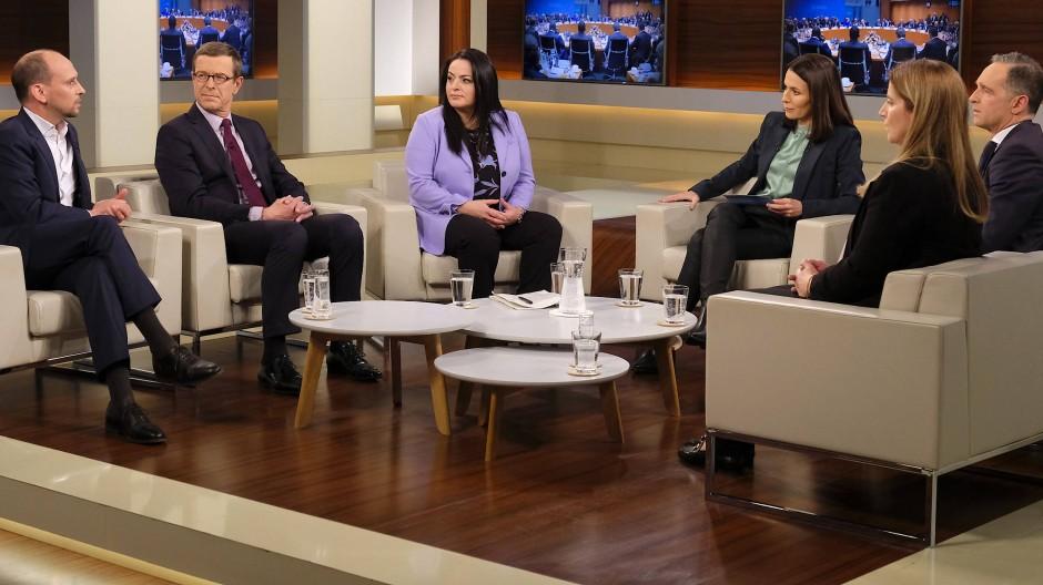 Anne Will diskutiert in ihrer Sendung am 19. Januar 2020 mit ihren Gästen zum Thema: Berliner Libyen-Konferenz – Hoffnung für ein Land im Chaos?