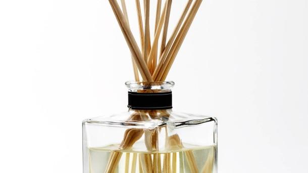 raumd fte werden wie parfums in grasse komponiert. Black Bedroom Furniture Sets. Home Design Ideas