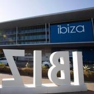 Die Randalierer wurden am Flughafen in Ibiza festgenommen.