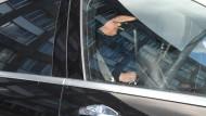 Jan Ullrich beim Verlassen des Frankfurter Polizeipräsidiums