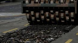 Rio lässt rund 2000 Waffen plattwalzen
