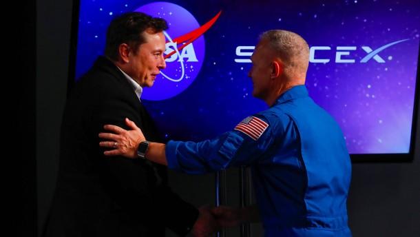 Nasa will im April erstmals SpaceX-Raumschiffe nutzen