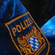 In Vogtareuth nahe Rosenheim hat die Polizei in der Nacht eine Mutter und ihre zwei Kinder tot aufgefunden. (Symbolbild)