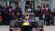 Schnell in der Box: Red Bull und Webber haben mit 2,05 Sekunden einen Reifenwechsel-Rekord aufgestellt
