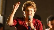 Dilma Rousseff im Wahlkampf für ihren Vorgänger und Parteifreund Lula da Silva
