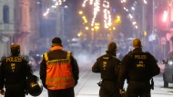 Insgesamt eine untypisch ruhige Silvesternacht: Einsatzkräfte zum Jahreswechsel in Leipzig
