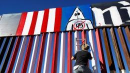 Kreativer Protest gegen Mauerbau