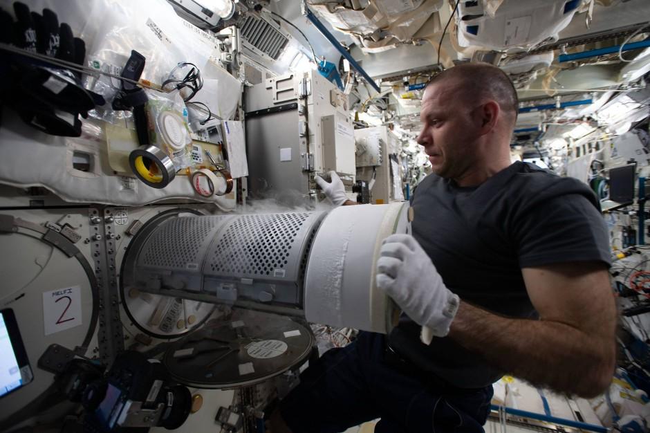 Wo ist das Loch? Russische Kosmonaten suchen seit Monaten.