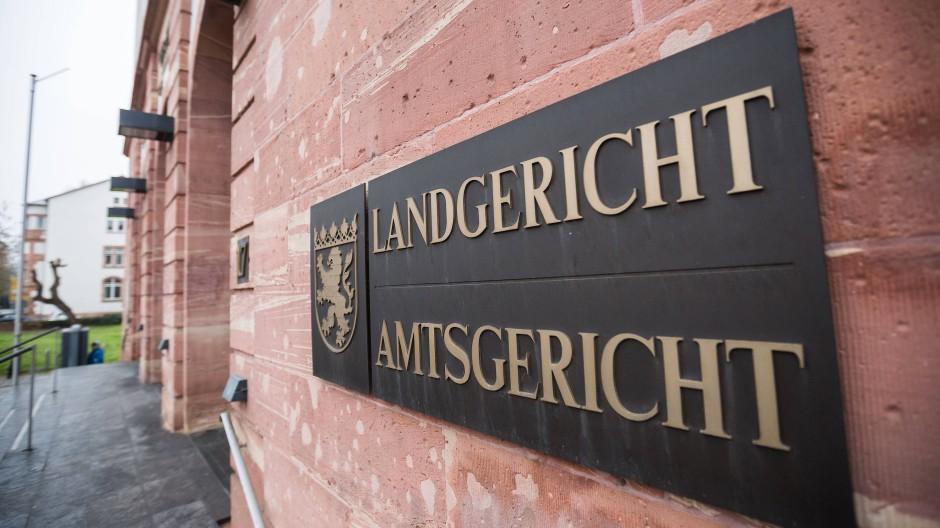 Im Landgericht in Hanau wird der Fall des ermordeten Jan verhandelt.