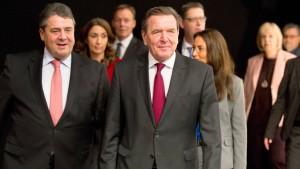 """Altkanzler Schröder: """"Ohne Frieden ist alles nichts"""""""