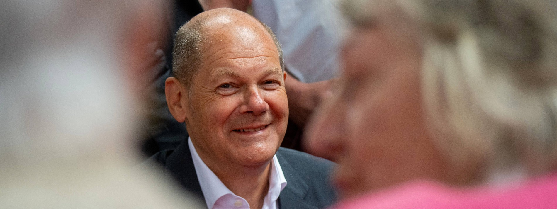 Scholz nennt Laschets Steuerpläne unfinanzierbar und unmoralisch