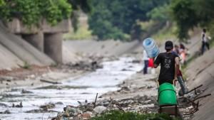 Erste Hilfslieferung des Roten Kreuzes erreicht Venezuela