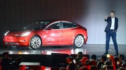 Tesla streicht sieben Prozent der Stellen
