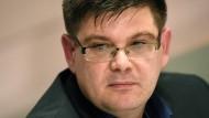 Nach Stasi-Vorwürfen wird er entlassen: Linken-Politiker und Berliner Staatssekretär für Wohnen Andrej Holm (parteilos)