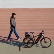 Autonomes Fahrrad weicht Hindernissen aus