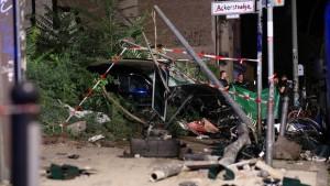 Vier Menschen sterben bei schwerem Verkehrsunfall in Berlin