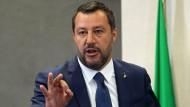 Superminister Salvini: Italiens Innenminister gibt sich nicht mit seinem Ressort zufrieden, sondern mischt gerne bei allen Themen mit.