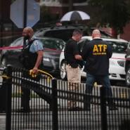 Bei Schüssen auf die Besucher einer Beerdigung sind in Chicago mindestens 14 Menschen verletzt worden.