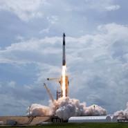 Start erfolgreich: Die Amerikaner sind nach 9 Jahren wieder mit einer bemannten Mission in den Weltraum gestartet