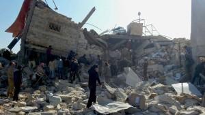 13 Tote bei Luftangriffen auf Klinik