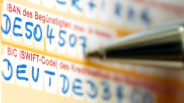 Drei Viertel der Deutschen kennen ihre IBAN nicht auswendig