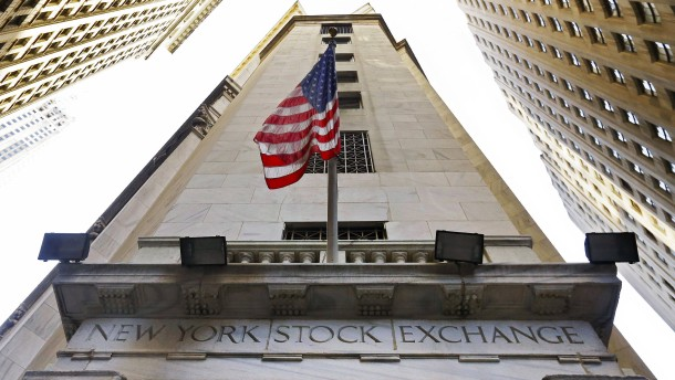 Viele Anleger halten Aktien für zu teuer