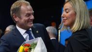 Alle möglichen Proporzüberlegungen wurden angestellt: Donald Tusk und Federica Mogherini
